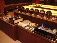 �\�U�ۧU�\�x Buffet bar